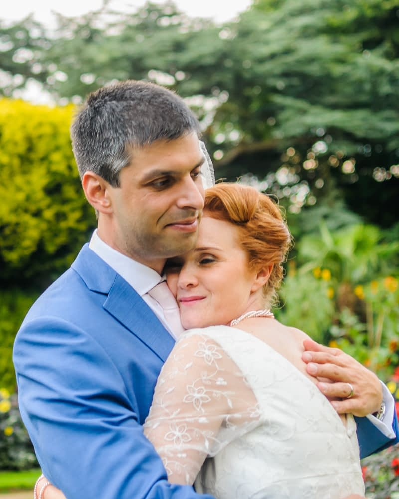 Cuddles, Sheffield wedding photographer