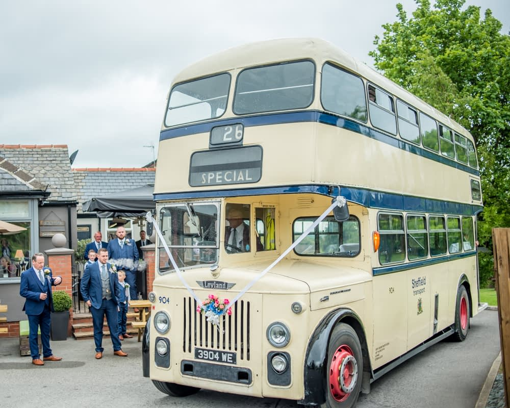Vintage Sheffield bus, Sheffield wedding photographers
